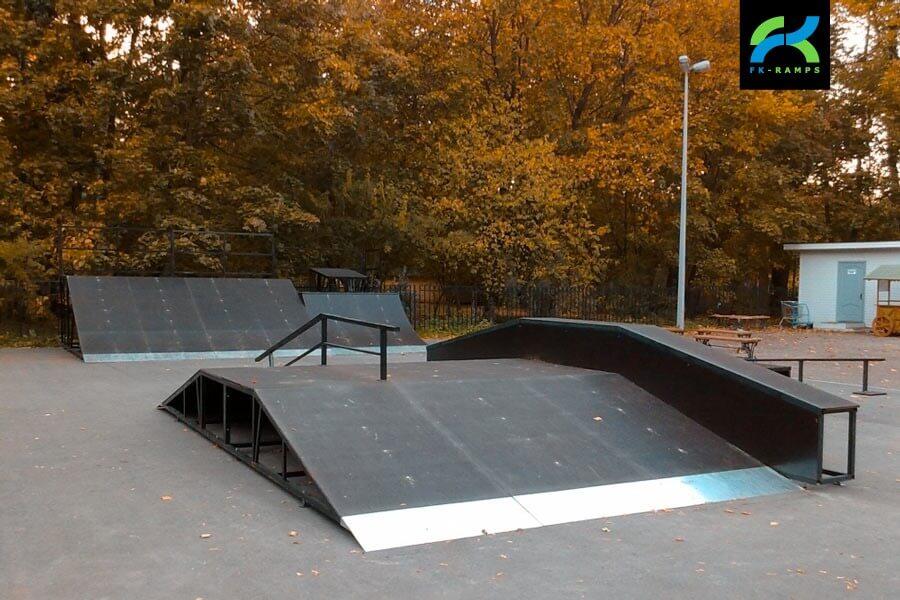 Металлический скейт парк в Санкт-Петербурге, в ЦПКиО