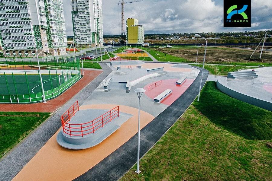 Бетонный скейт-парк в Янино