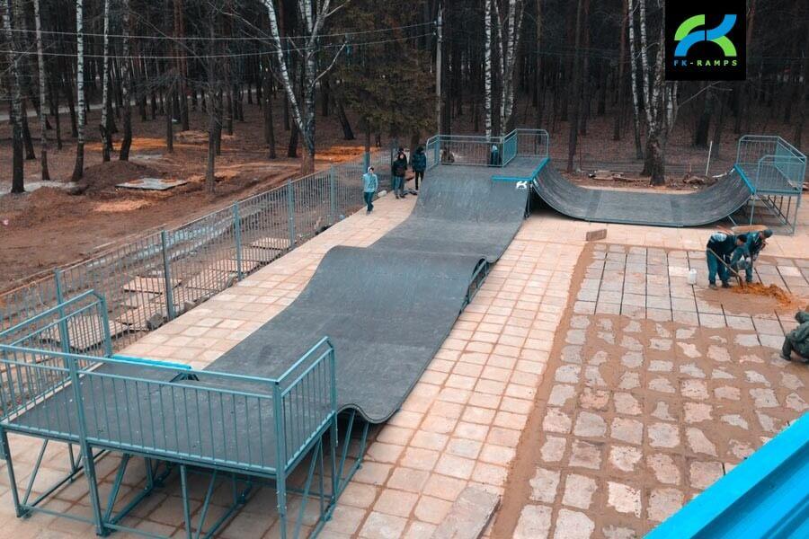 Металлический скейт-парк в ЦПКиО им. П.П. Белоусова