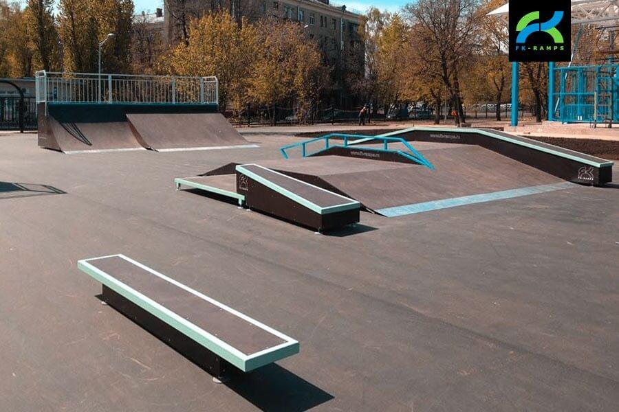 Металлический скейт-парк наКоптевскомбульваре