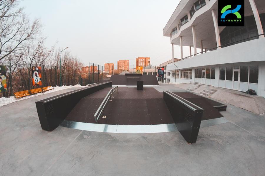 Деревянный скейт-парк в Дворце Пионеров (Владивосток)