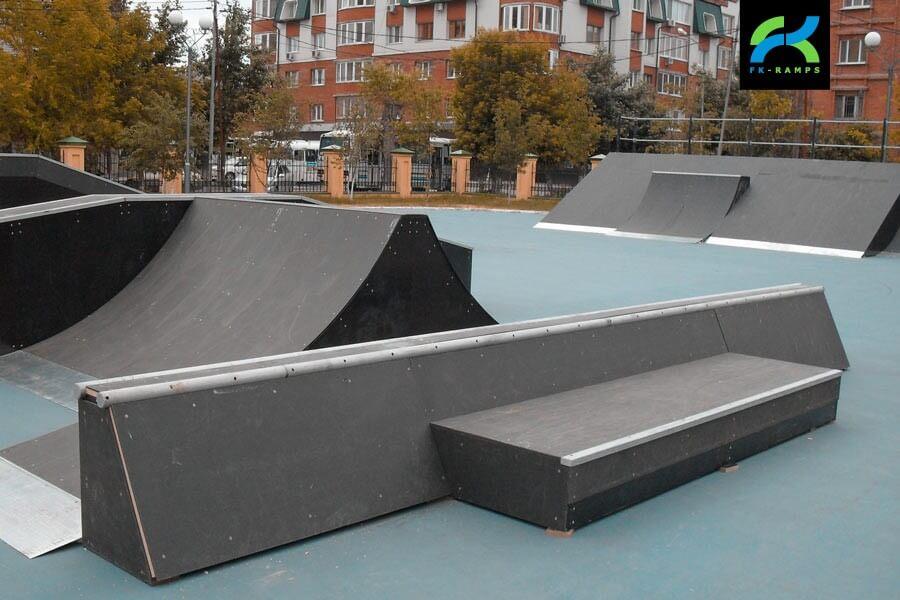 Деревянный скейт-парк у Дворца искусств «Пионер»