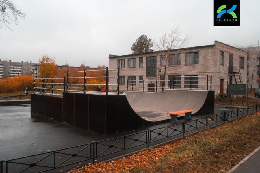 Деревянный скейт-парк в Шушарах