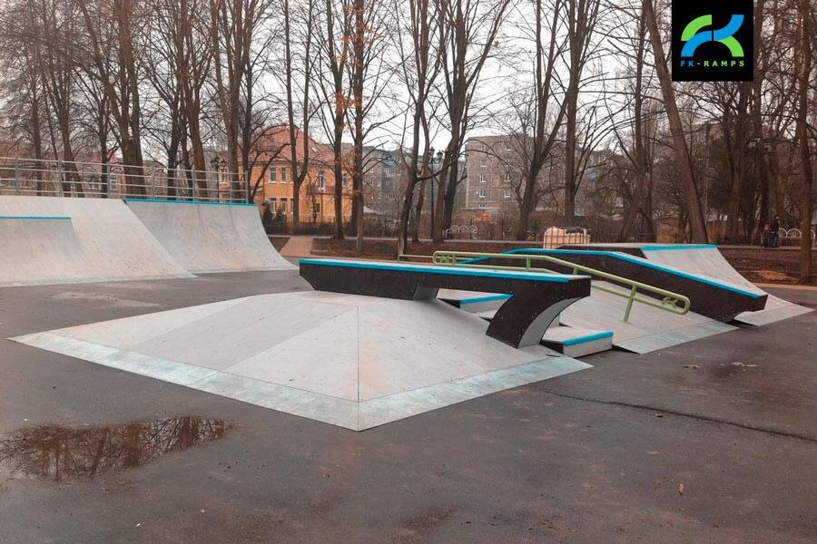 Деревянный скейт-парк в Калининградской обл.