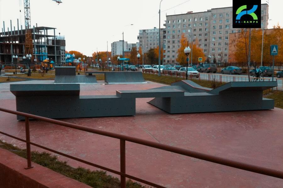 Деревянный скейт парк в Корабельном сквере