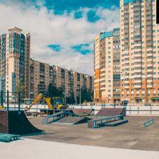 Деревянный скейт-парк у Ледового дворца Петербурга, фото № 2
