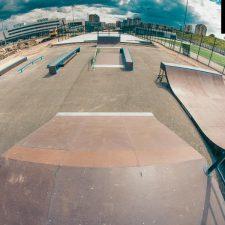 Деревянный скейт-парк у Ледового дворца Петербурга, фото № 7
