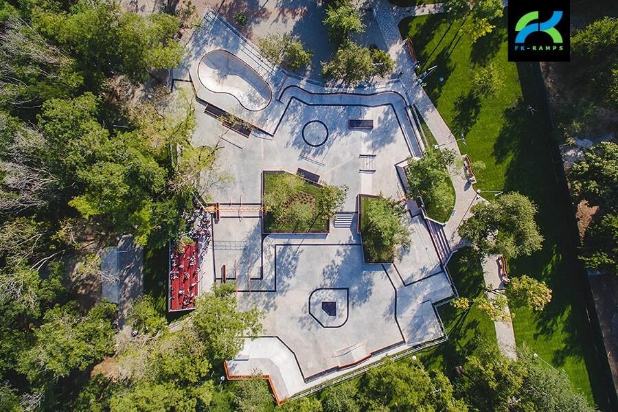 Бетонный скейт-парк в Одессе, Украина