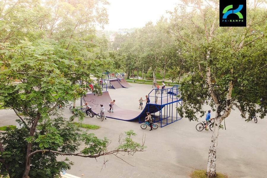 Металлический скейт парк в Корсакове