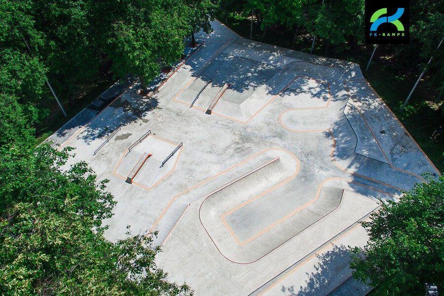 Бетонный скейт парк LSD Park 2.0 на ул. Удальцова