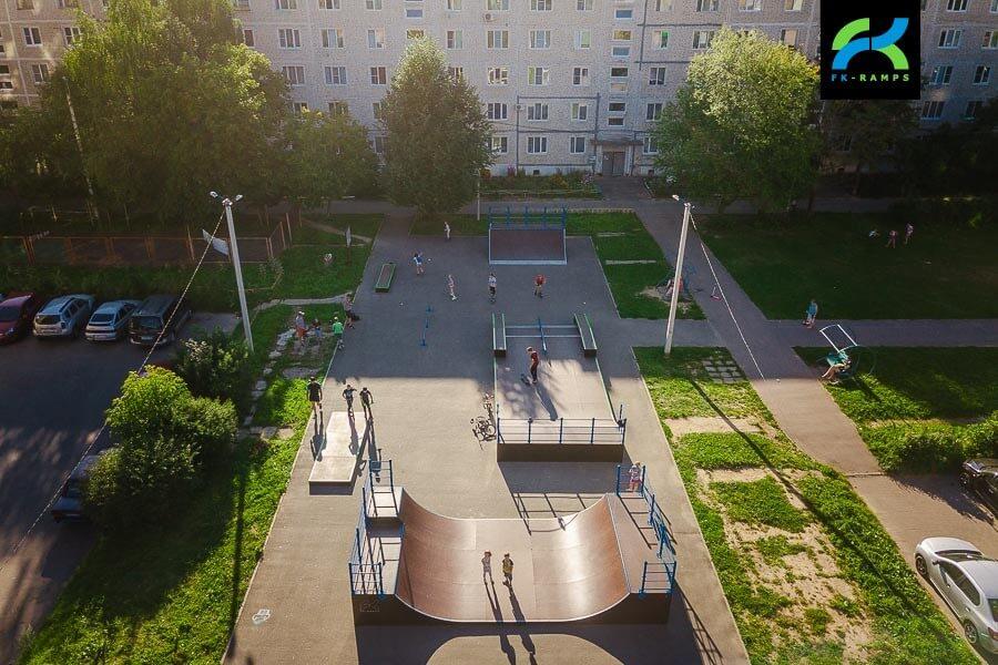 Деревянный скейт парк в Скоропусковском