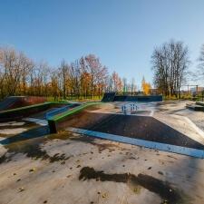 Стрит-секции в деревянном скейт парке