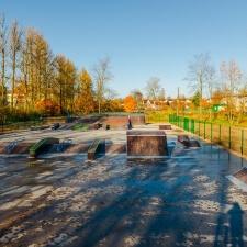 Деревянный скейт парк в Ленинградской области