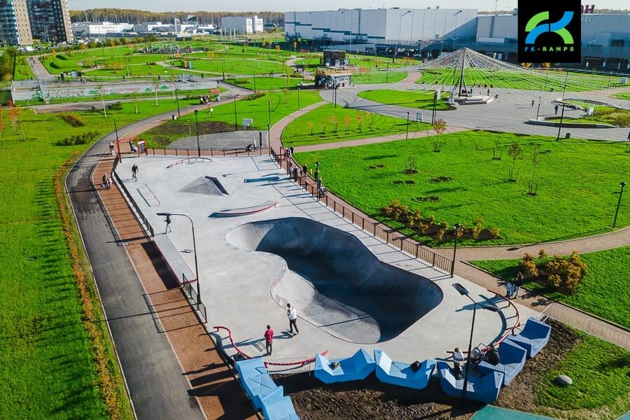 Бетонный скейт парк МЕГА Дыбенко, СПб
