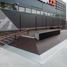 Скейтпарк на металлическом каркасе