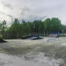 Деревянный скейт парк в Молодежном
