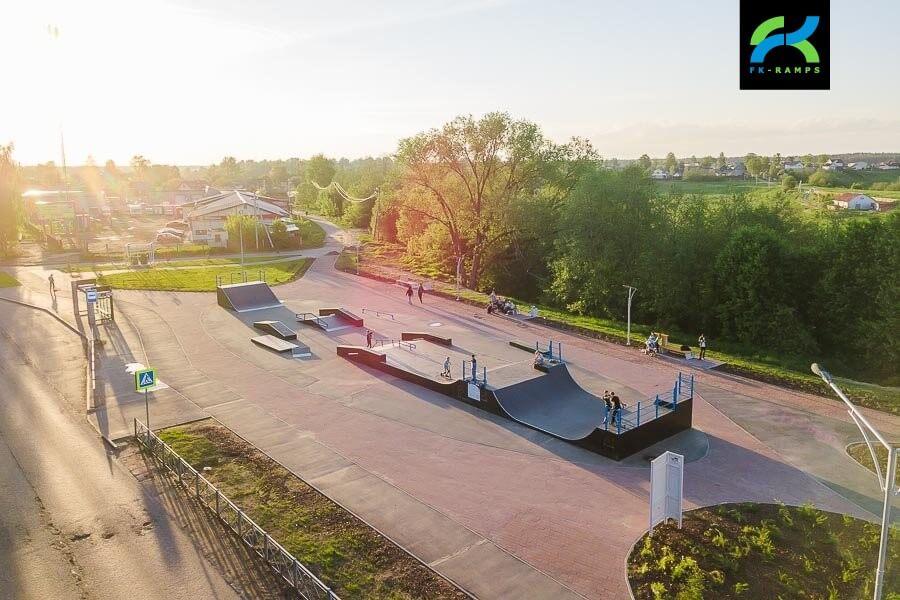 Деревянный скейт парк в Тихвине