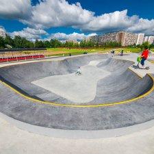 Бетонная чаша скейт парка