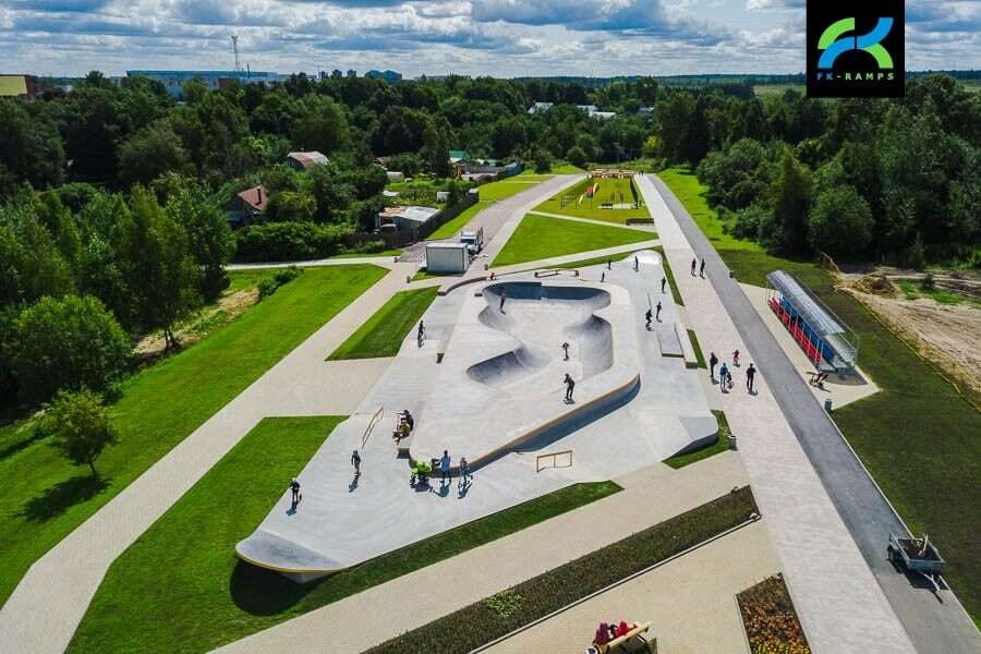 Бетонный скейт парк в Зеленограде