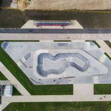 Новый бетонный скейт парк в Зеленограде