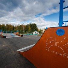 Деревянный скейт парк в Левашово: фото