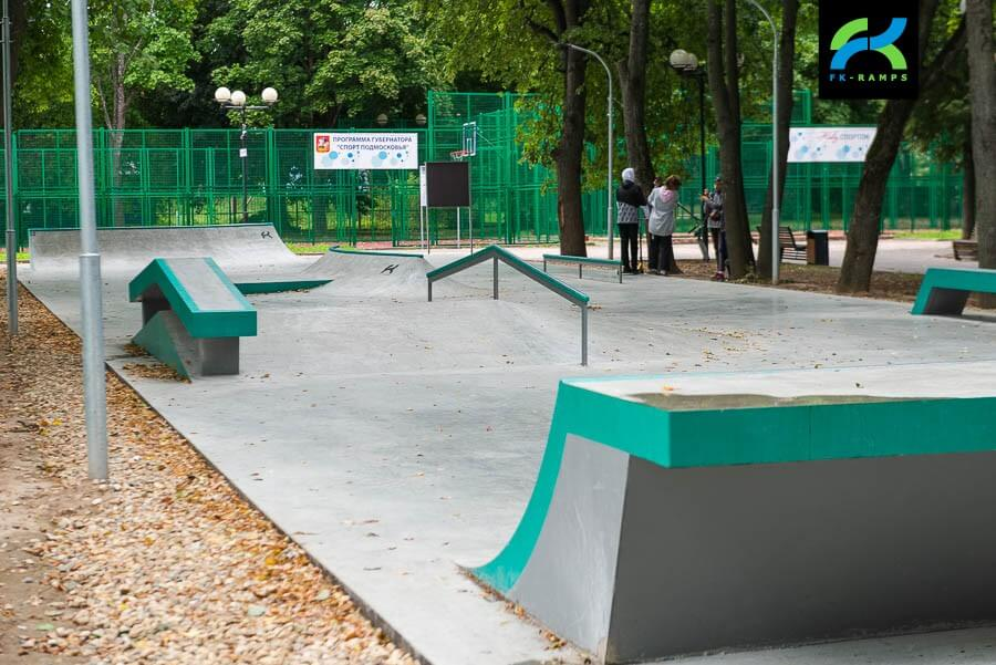 Бетонный скейт парк в Звенигороде