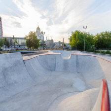 Бетонный скейтпарк и асфальтовый памптрек в Иваново