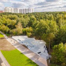 Бетонный скейтпарк на Салтыковской улице (Новокосино)